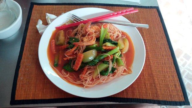 Déjeuner dans un restaurant proche du musée du génocide Toul Sieng ou camp S-21