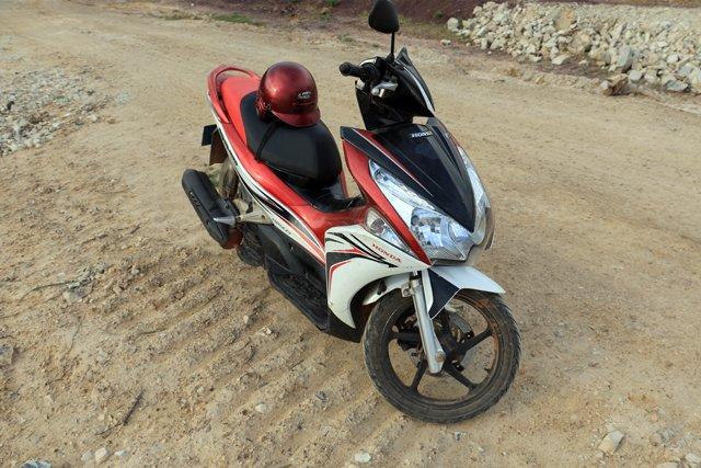 mon scooter pour ces quelques jours à Kampot - L'autre ailleurs au Cambodge